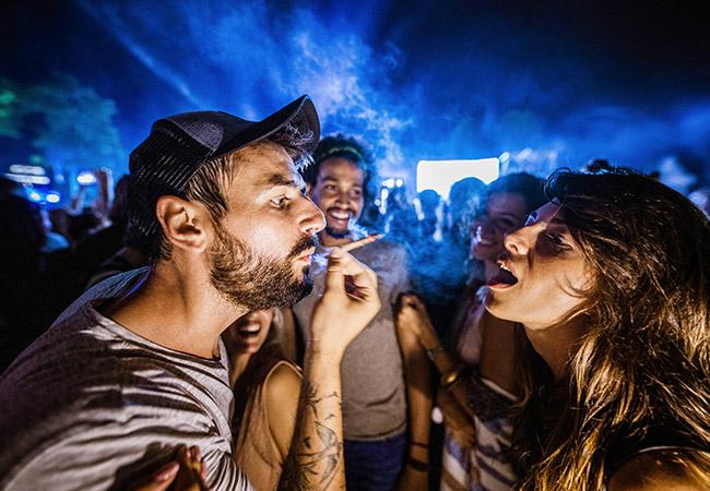 Smoking at a concert